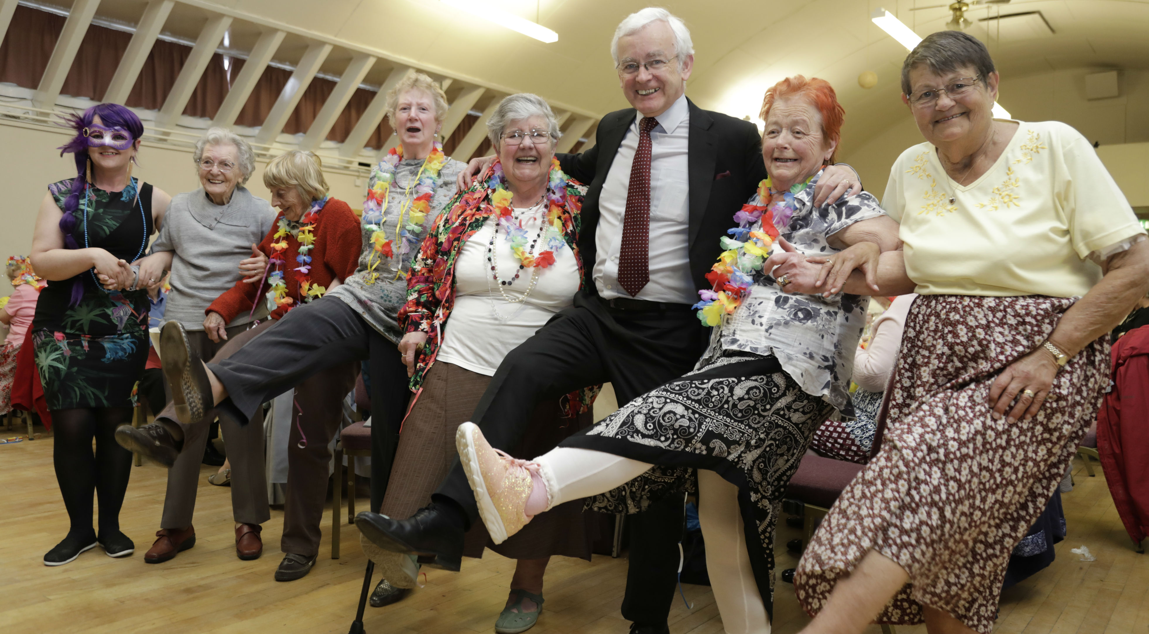 Martin Vickers MP shows his support for a new resident-led project funded by People's Health Trust that supports older people living in and around Cleethorpes.